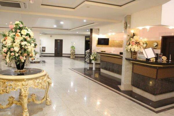 Отель , Краснознаменская улица, 25Б на 62 номера - Фотография 1