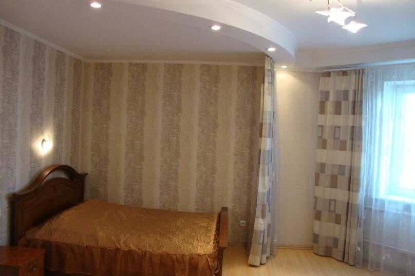2-комн. квартира, 79.9 кв.м. на 7 человек, Коломяжский проспект, 20, Санкт-Петербург - Фотография 5