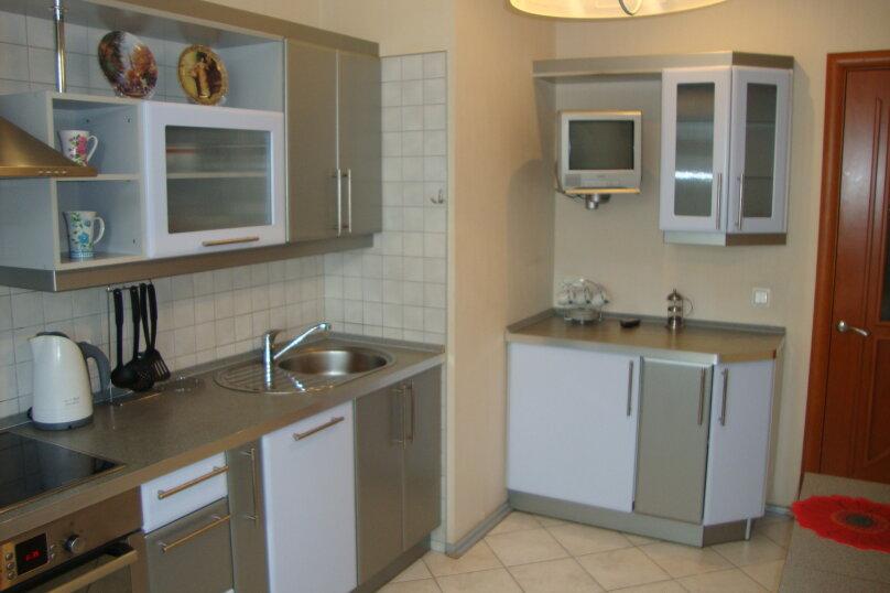 2-комн. квартира, 79.9 кв.м. на 7 человек, Коломяжский проспект, 20, Санкт-Петербург - Фотография 7