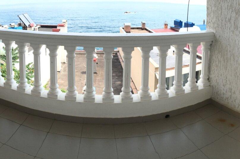 Номер с балконом и видом на море (3 этаж), улица Гагариной, 273, Утес - Фотография 8