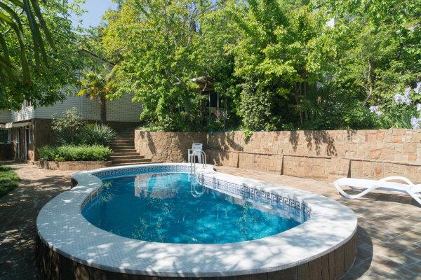 Дом не далеко от моря с бассейном, 70 кв.м. на 8 человек, 3 спальни, Гурзуфское шоссе, 17А, Гурзуф - Фотография 1