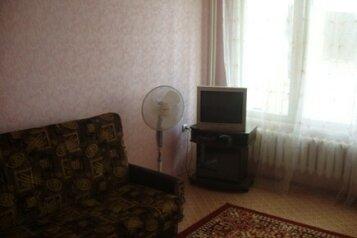 2-комн. квартира, 62 кв.м. на 5 человек, улица Димитрова, 1, Черноморское - Фотография 2