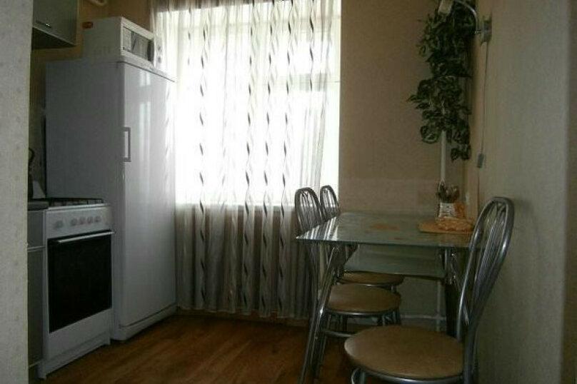 2-комн. квартира, 64 кв.м. на 6 человек, улица Полякова, 30, Тольятти - Фотография 1