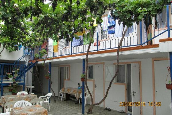 """Гостевой дом  """"Кипарис"""" 2, Крепостная улица, 3 на 20 комнат - Фотография 1"""
