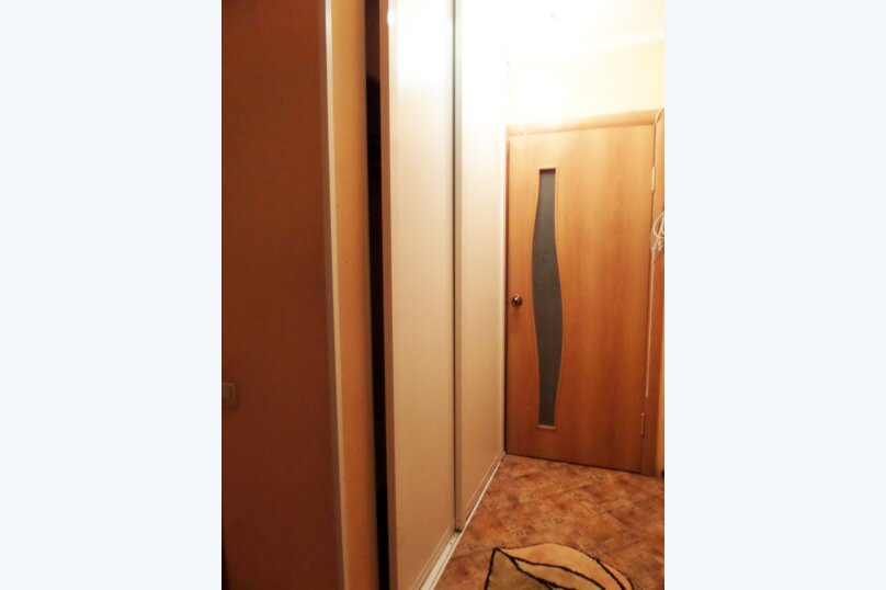 1-комн. квартира, 35 кв.м. на 2 человека, улица Ленина, 28, Красноярск - Фотография 11