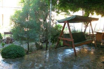 Гостевой дом пять минут от моря в Алуште, улица Горького на 6 номеров - Фотография 3