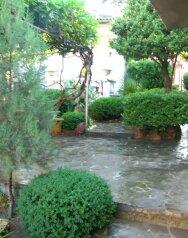 Гостевой дом пять минут от моря в Алуште, улица Горького на 6 номеров - Фотография 4