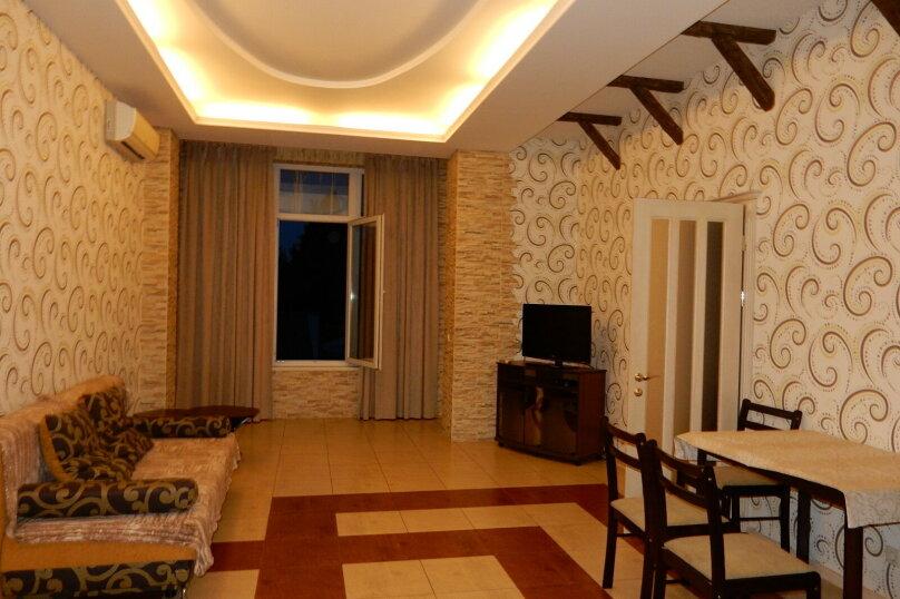 Дом, 350 кв.м. на 15 человек, 7 спален, Севастопольская, 4, Ялта - Фотография 3