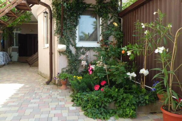 Гостевой дом, улица Шевченко, 174А на 18 номеров - Фотография 1