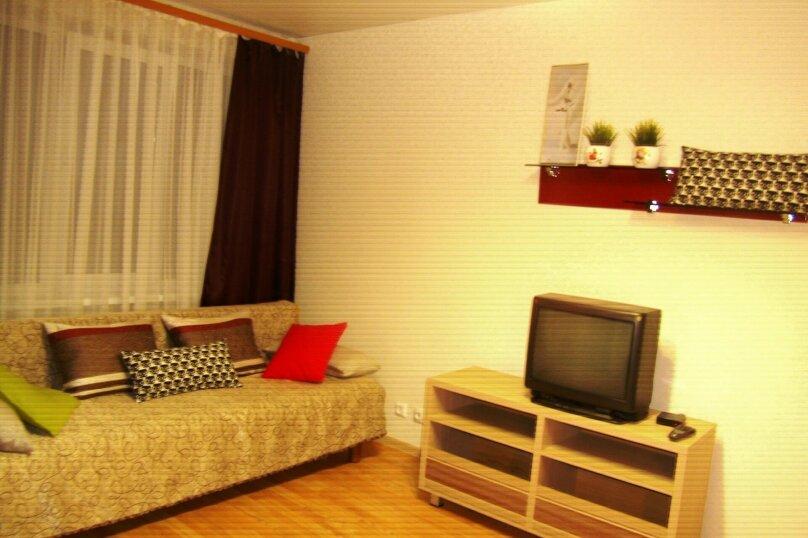 1-комн. квартира, 42 кв.м. на 4 человека, улица Сергея Преминина, 12, Вологда - Фотография 2