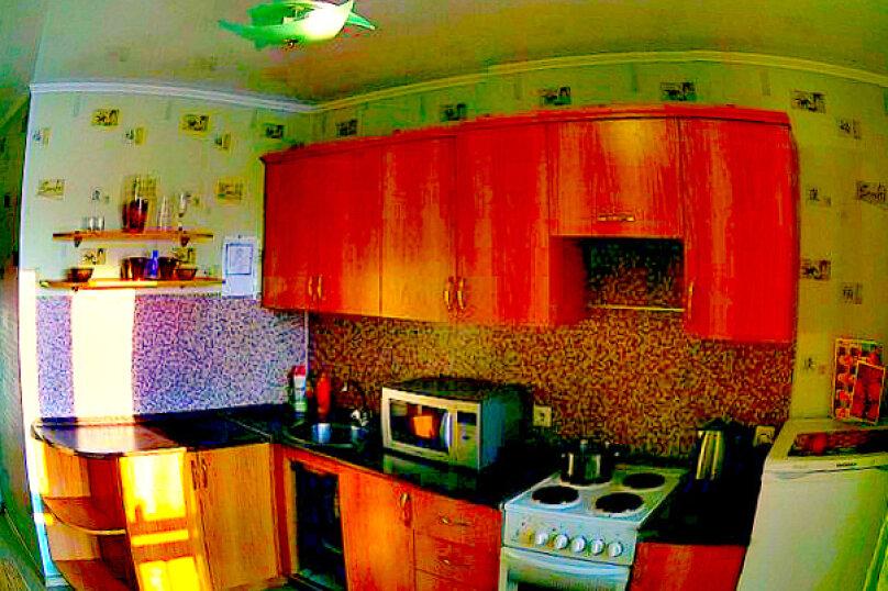 1-комн. квартира на 2 человека, проспект Комарова, 21, Омск - Фотография 2