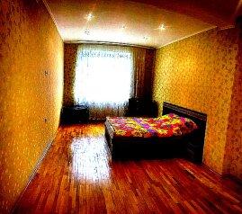 3-комн. квартира, 108 кв.м. на 8 человек, улица Масленникова, 15, Омск - Фотография 2