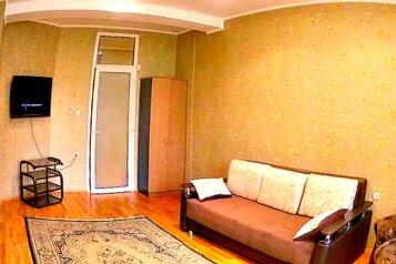 3-комн. квартира, 108 кв.м. на 8 человек, улица Масленникова, 15, Омск - Фотография 3