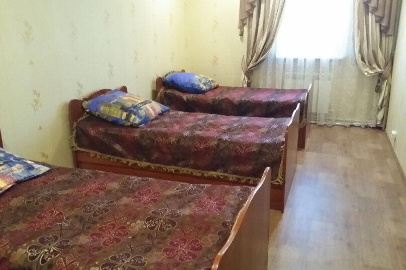 Дом, 170 кв.м. на 20 человек, 4 спальни, улица Урицкого, 36, Ростов - Фотография 2