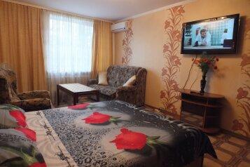 1-комн. квартира, 36 кв.м. на 4 человека, улица Хрусталёва, Севастополь - Фотография 1