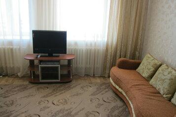 1-комн. квартира, 57 кв.м. на 5 человек, улица Петра Смородина, Липецк - Фотография 1