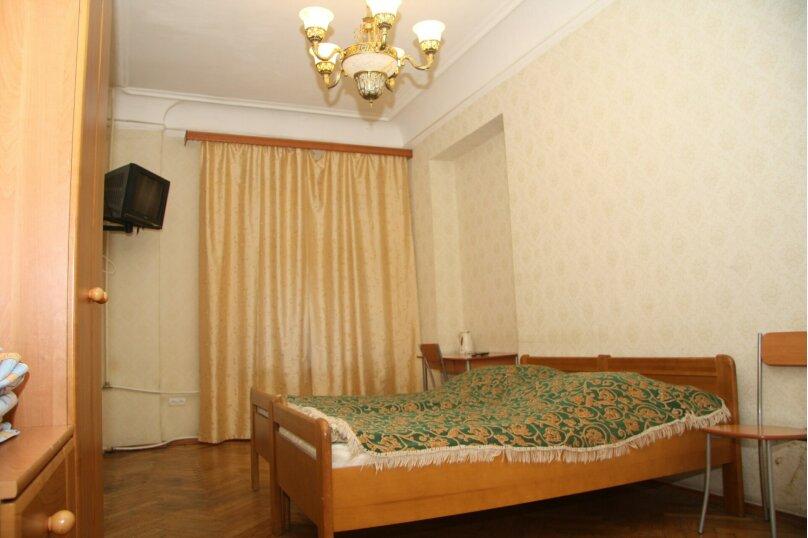 Двухместный номер эконом-класса с общей ванной, улица Рубинштейна, 29/28, Санкт-Петербург - Фотография 1