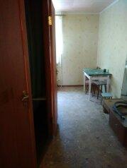 3-комн. квартира на 8 человек, улица Лётчиков, 10, Мирный, Крым - Фотография 2