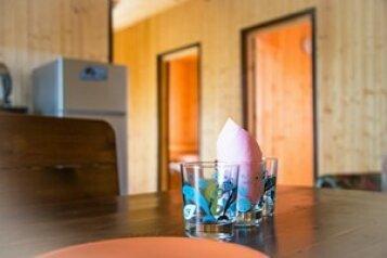 Коттедж в поместье на берегу оз. Сиркоярви на 6 человек, 2 спальни, Деревня Гарболо, Коттедж № 6, Всеволожск - Фотография 1