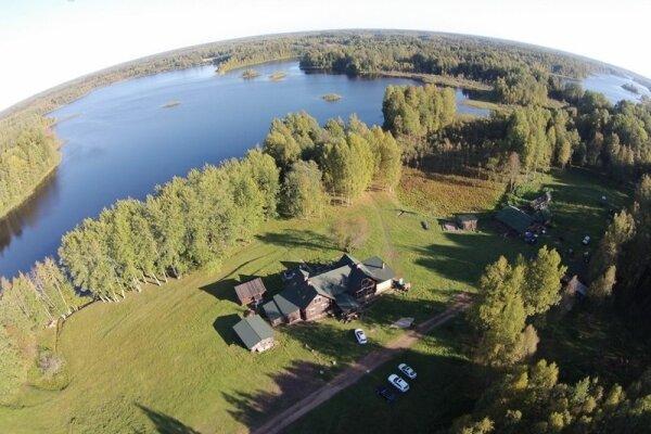 Дом у озера на 12 человек, 6 спален