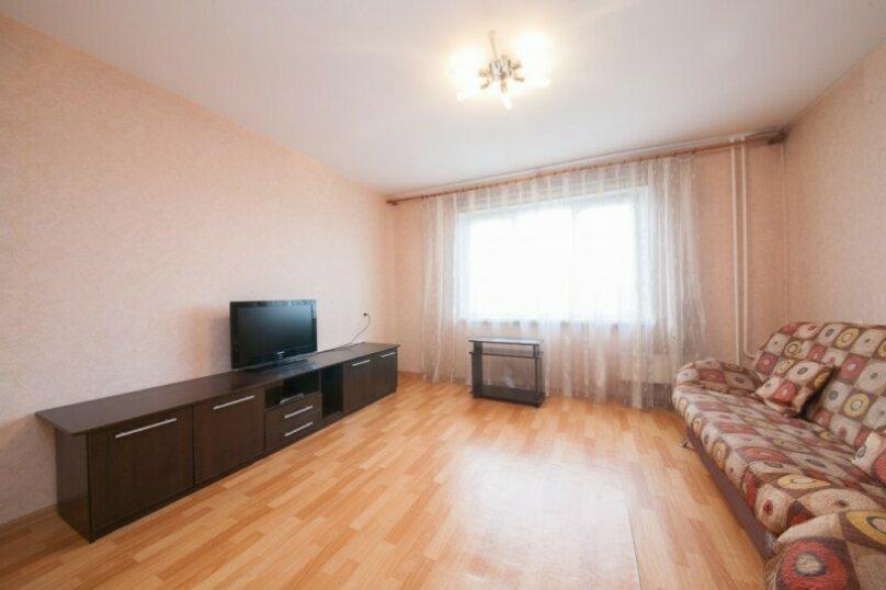 1-комн. квартира, 37 кв.м. на 3 человека, улица 78 Добровольческой Бригады, 21, Красноярск - Фотография 2