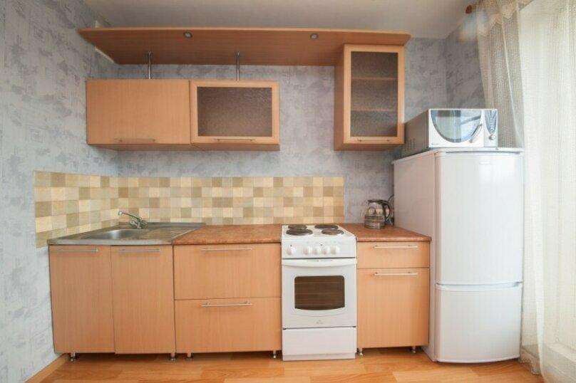 1-комн. квартира, 37 кв.м. на 3 человека, улица 78 Добровольческой Бригады, 21, Красноярск - Фотография 7