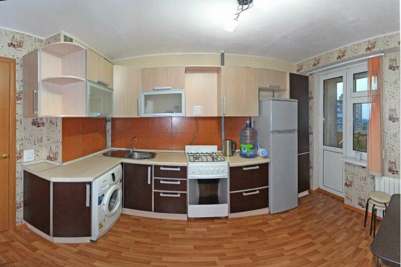 2-комн. квартира, 58 кв.м. на 4 человека, улица Фёдора Гладкова, 32, Чебоксары - Фотография 4