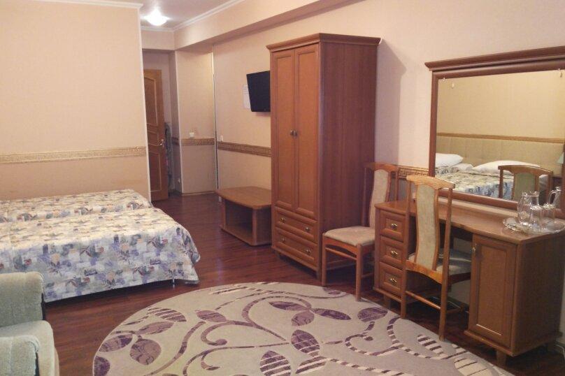 Стандарт улучшенный (раздельные спальные места) с дополнительным местом, Курортный проспект, 94А, Сочи - Фотография 1