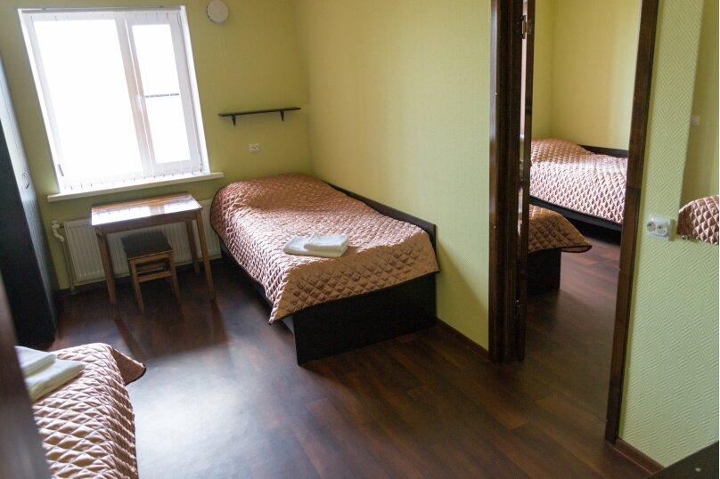 Двухкомнатный 4-х местный с удобствами, Озёрный переулок, 30, Новая Ладога - Фотография 1