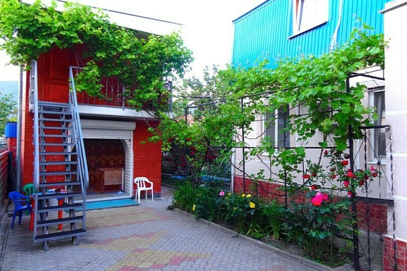 "Гостевой дом ""У Федора"", улица Куникова, 3 на 9 комнат - Фотография 4"