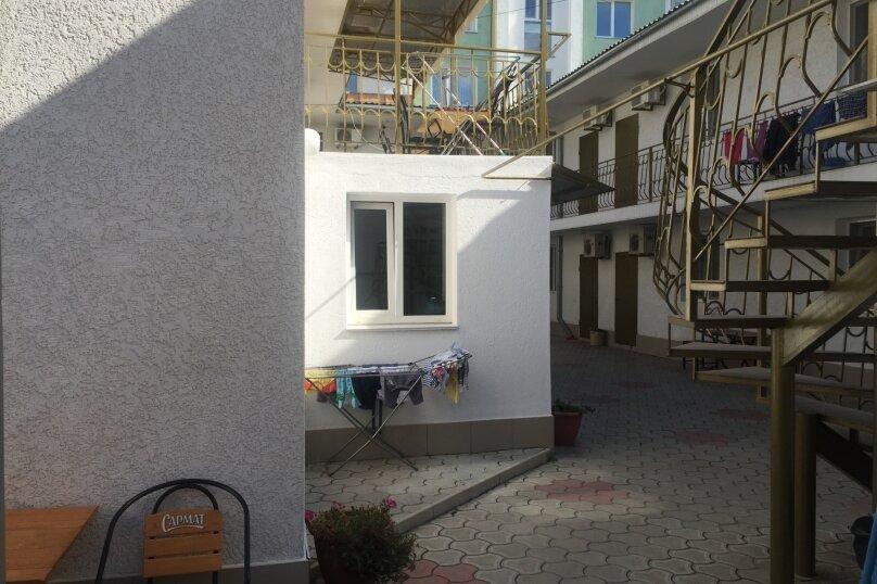 Гостевой дом у моря в Евпатории, Московская улица, 22А на 16 номеров - Фотография 3