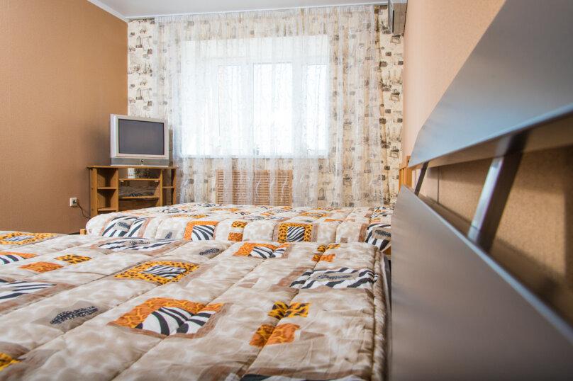 2-комн. квартира, 71 кв.м. на 6 человек, Ягодинская улица, 25, Казань - Фотография 4