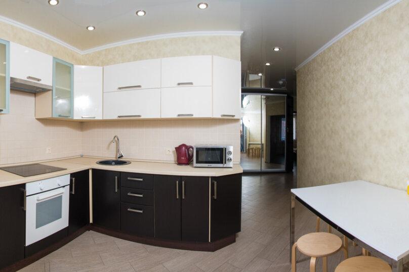 2-комн. квартира, 71 кв.м. на 6 человек, Ягодинская улица, 25, Казань - Фотография 1