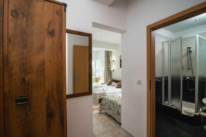 """Мини-отель """"Вилла Онейро"""", Западная улица, 6 на 12 номеров - Фотография 32"""