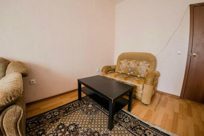 1-комн. квартира, 35 кв.м. на 3 человека, Иртышская набережная, 12, Омск - Фотография 2