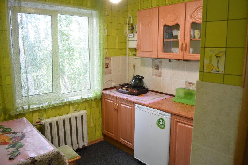 1-комн. квартира, 35 кв.м. на 4 человека, улица Юных Ленинцев, 8, Керчь - Фотография 18