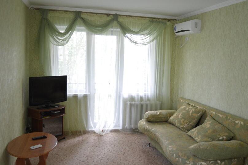 1-комн. квартира, 35 кв.м. на 4 человека, улица Юных Ленинцев, 8, Керчь - Фотография 4