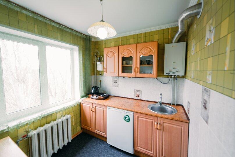 1-комн. квартира, 35 кв.м. на 4 человека, улица Юных Ленинцев, 8, Керчь - Фотография 9