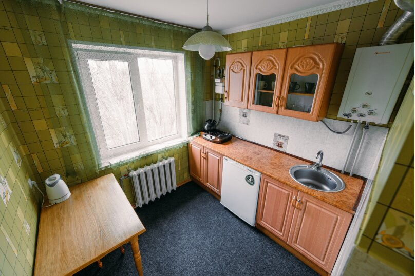 1-комн. квартира, 35 кв.м. на 4 человека, улица Юных Ленинцев, 8, Керчь - Фотография 12