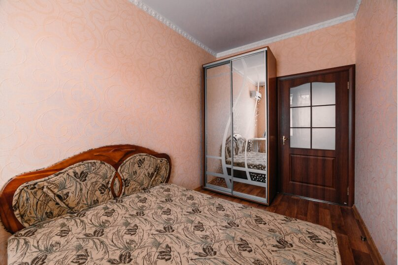2-комн. квартира, 49 кв.м. на 4 человека, улица Ленина, 29, Керчь - Фотография 11