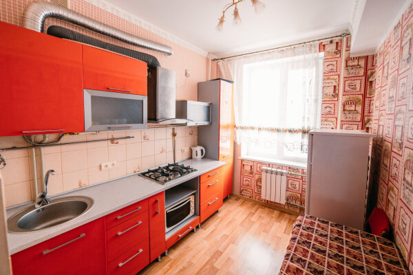 2-комн. квартира, 49 кв.м. на 4 человека, улица Ленина, 29, Керчь - Фотография 1