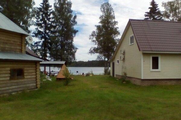 Дом в лесу на берегу озера, 36 кв.м. на 4 человека, 1 спальня, д. Стеклино, 35, Андреаполь - Фотография 1