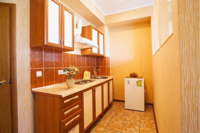 """Гостевой дом """"Над морем"""", Адаманова, 36 на 11 комнат - Фотография 5"""