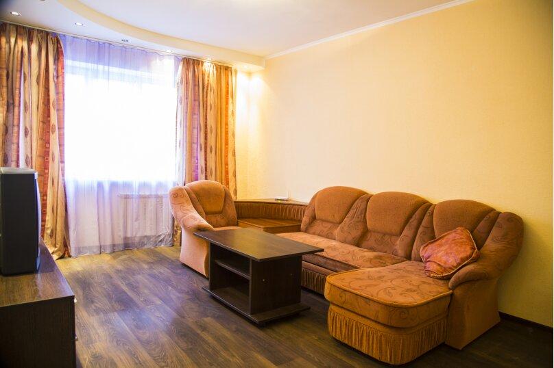 2-комн. квартира, 70 кв.м. на 5 человек, улица Авиаторов, 25, Красноярск - Фотография 3