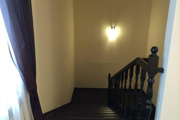 Дом 300 кв.м. вместимость 30 человек, 300 кв.м. на 30 человек, 10 спален, Базайская улица, 341, Красноярск - Фотография 1