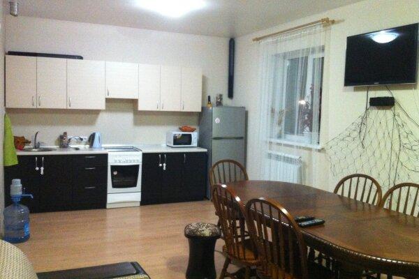 Дом в сосновом бору только для семей., 107 кв.м. на 15 человек, 3 спальни, Юбилейная , 7з, Барнаул - Фотография 1