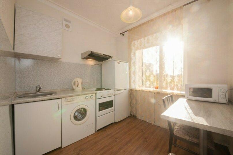 1-комн. квартира, 34 кв.м. на 4 человека, улица Урицкого, 108, Красноярск - Фотография 5