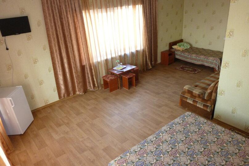 Семейный номер с балконом, Софиевская, 2, Заозерное - Фотография 2