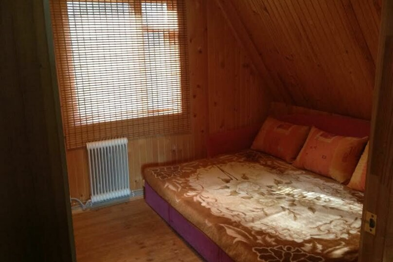 Дом в кругу соснового леса, 98 кв.м. на 6 человек, 3 спальни, п. Лосево (д. Ягодная), Приозерское шоссе, 5, Санкт-Петербург - Фотография 5