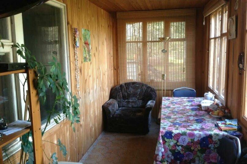 Дом в кругу соснового леса, 98 кв.м. на 6 человек, 3 спальни, п. Лосево (д. Ягодная), Приозерское шоссе, 5, Санкт-Петербург - Фотография 8